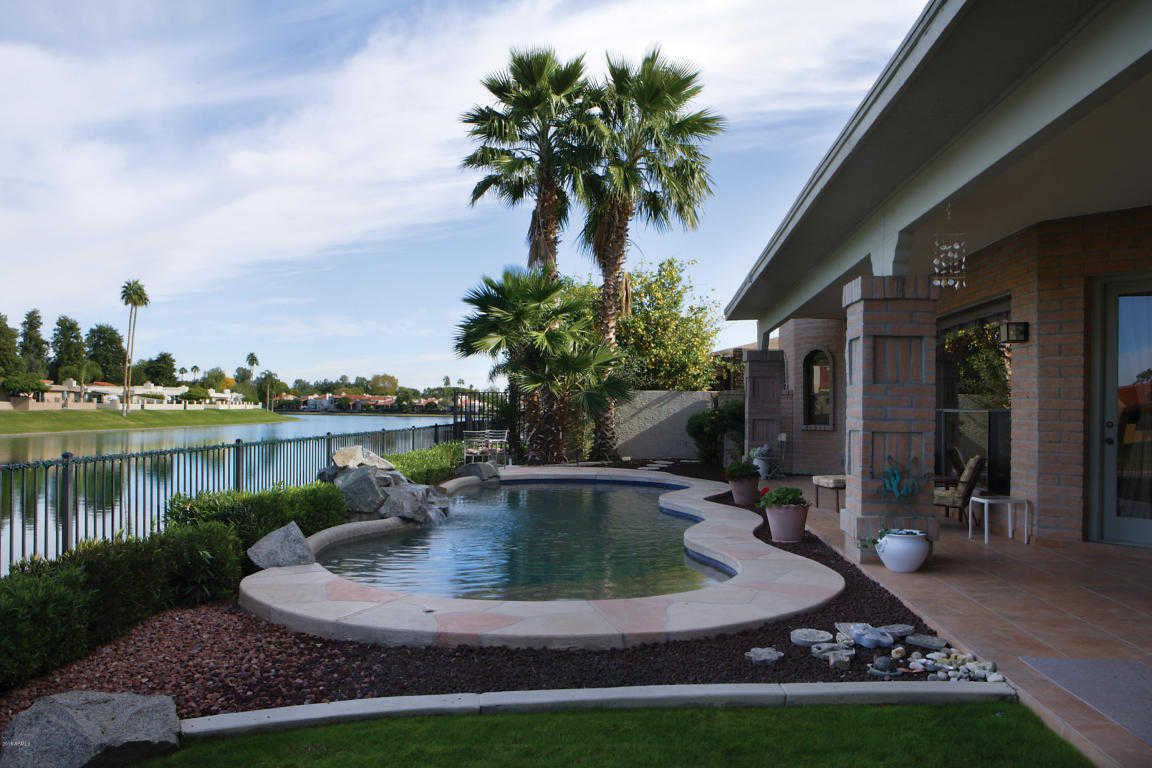 Island at McCormick Ranch homes in Scottsdale Arizona are very popular and close to the Old Town Scottsdale area.